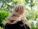 jak prostować włosy