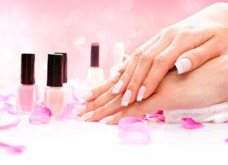 Manicure hybrydowy - jak przechowywać lakiery, by nie traciły swoich właściwości?